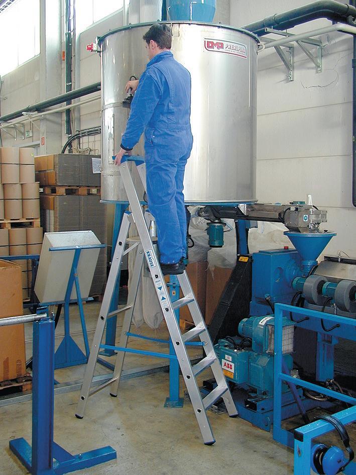 Stabilo Stufen-Stehleiter,Sprossen 6,Höhe 2,20m,Arbeitshöhe 3,40m,Gewicht 8,4kg